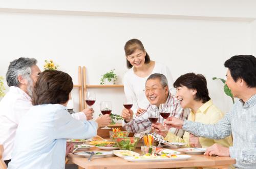 老後の生活に強く影響を及ぼす骨と歯にスポット